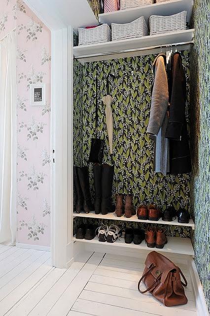 entrance wardrobe