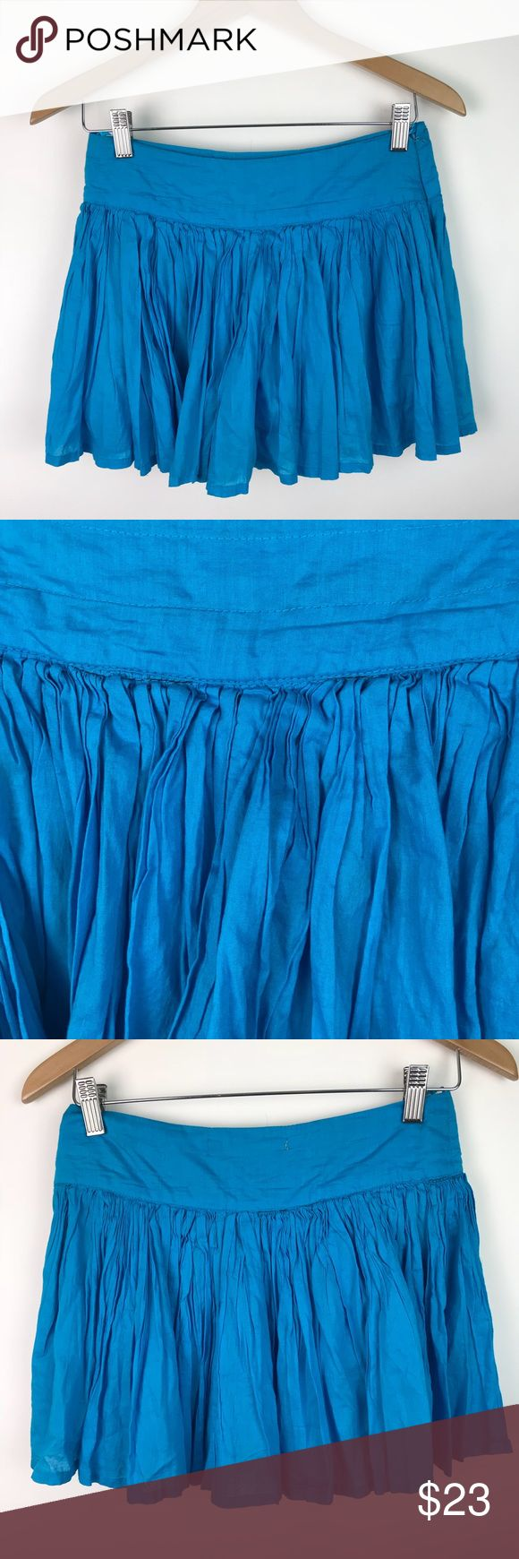"""ZARA TRF Mini Skirt Layered Full Cotton 2 AJ66 Zara TRF Womens Flared Mini Skirt Layered Full Turquoise Sz 2 AJ66 VGUC...NO stains holes rips or pilling  Summer Wardrobe Staple! This sweet mini skirt by popular ZARA features a 100% cotton textile in a gorgeous turquoise hue, with a flat waist, side zip, full skirting with cotton underwater for extra fullness.  Waist: 14"""" Hips: 17.5"""" Waist to Hem: 13.5"""" * measurements are taken laying flat and are APPROXIMATE  SMOKE FREE HOME Zara Skirts Mini"""