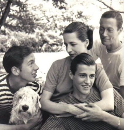 Diana Vreeland and her family all in stripes- American style
