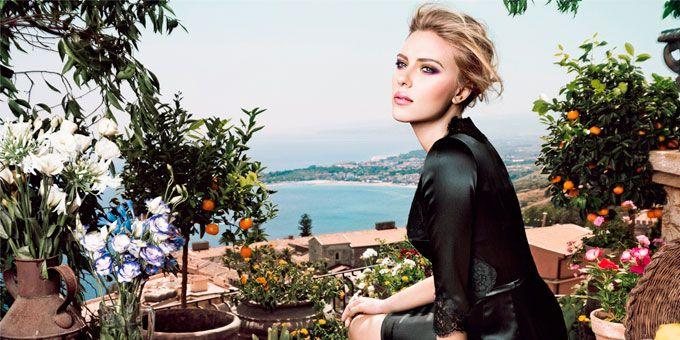 La routine di bellezza di Scarlett Johansson? Preferisco fare la doccia piuttosto che il bagno nella vasca, uso correttore e mascara sempre.http://www.sfilate.it/213248/la-routine-di-bellezza-di-scarlett-johansson