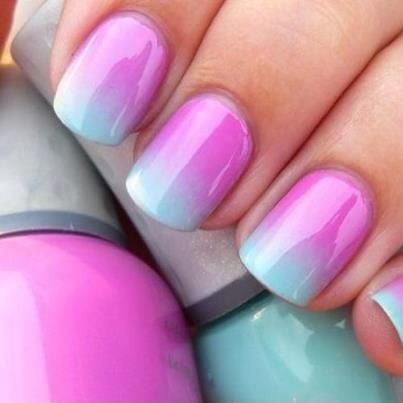 fade blue nail   Summer nail art, pink and blue nails, special effect nails ... I want this on my toes but with a teal blue and a baby blue