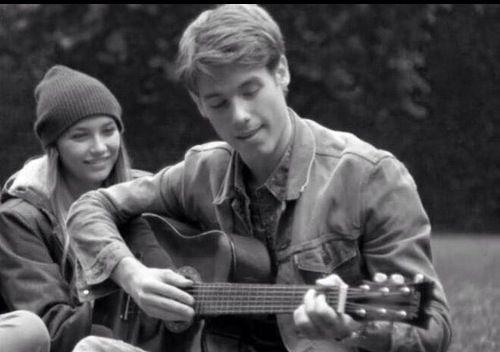 Korte verhaaltjes over de liefde tussen Jonas en Mila (JILA) uit Ghost Rockers.