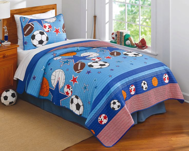 Super Sport look for a super star boy's bedroom - this is Sports & Stars Quilt Set.