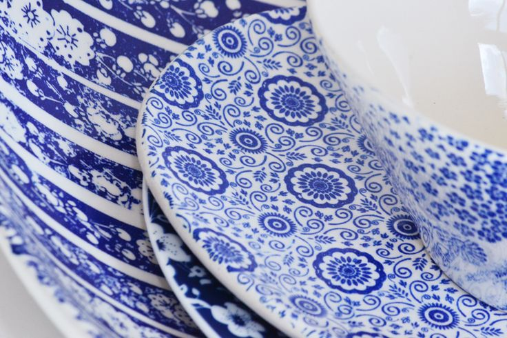 Layered blue and white plateware patterns add an interesting texture to your table. Hire these plates and bowls from us using the link below.