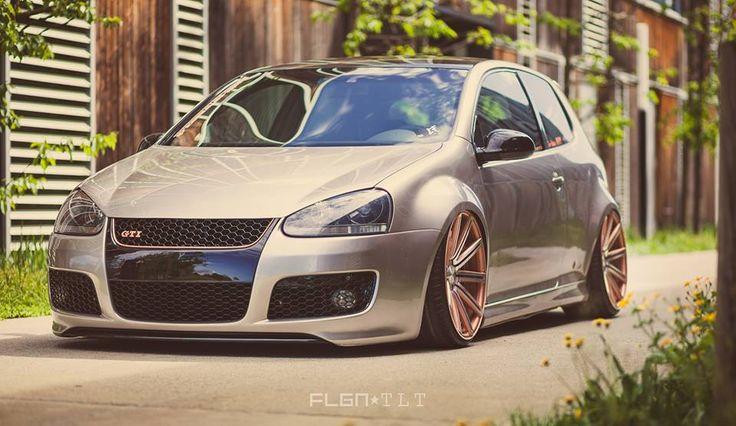 Volkswagen Golf GTI Mk5 3D