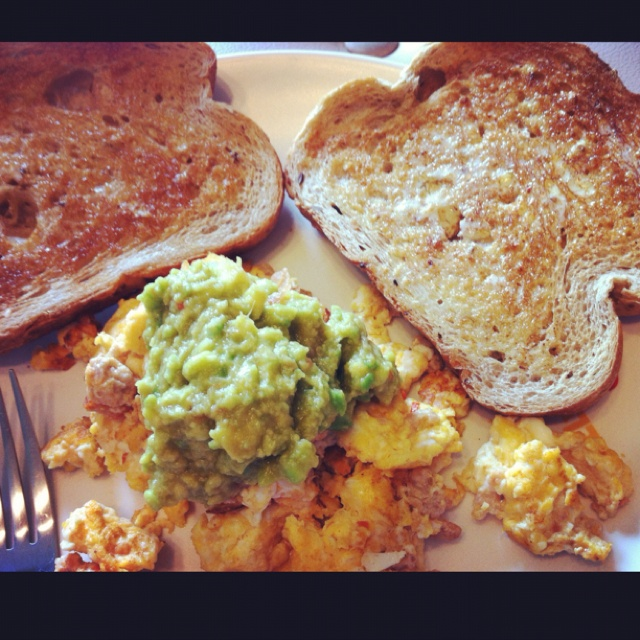 Scrambled eggs with sausage and guacamole on top ^^ | Head Over Heels ...