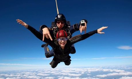 Get 10,000ft Tandem Skydiving Experience at Two Locations with UK Parachuting for just: £195.00 10,000ft Tandem Skydiving Experience at Two Locations with UK Parachuting  >> BUY & SAVE Now!