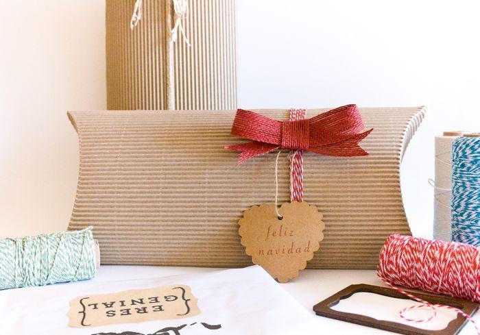 Disponible en www.lamarimorenacreativos.bigcartel.com Cajas cartón ondulado, perfectas para hacer regalos bonitos, elegantes y originales. Packaging creativo.