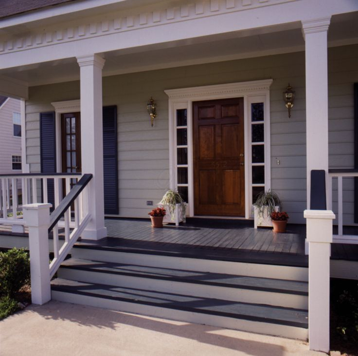 Welcoming covered front porch - plan 024D-0042 - houseplansandmore.com