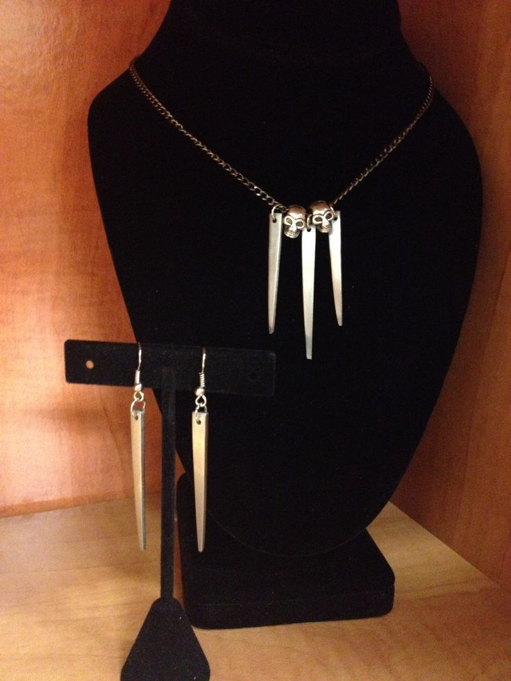 Fork tine necklace with skull charms and earrings to match