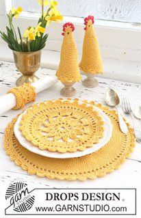 Circular Placemat Set free crochet pattern - 10 Free Crochet Placemat Patterns