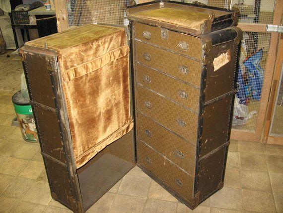 Wardrobe Trunk
