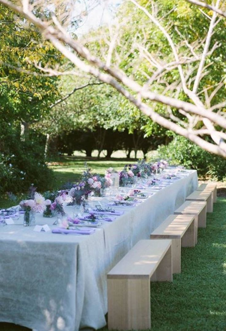Long lunch in the garden #gardenparty #longlunch #celebrate #floral #busatti #country #pastel