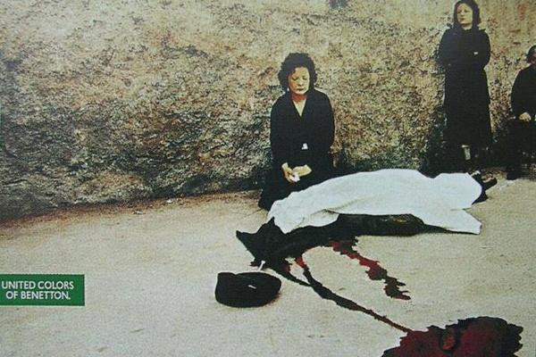 """Oliviero Toscani - Campaña para Benetton en donde usó la foto de un crimen mafioso. """"How does my father's death enter into publicity for sweaters?"""", dijo la hija de la víctima."""