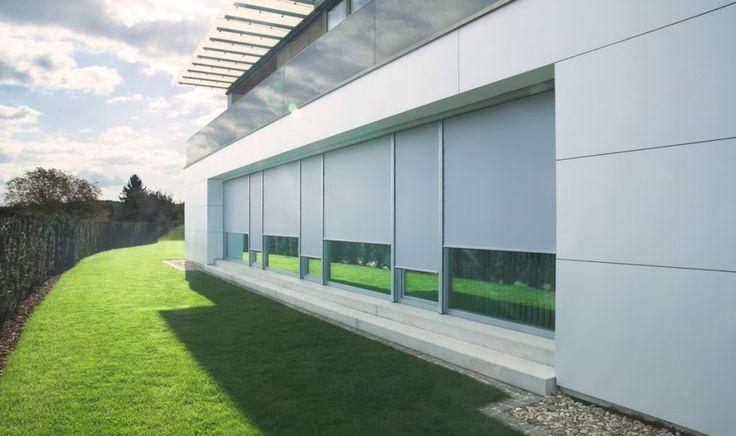 zip markisen werden an fenster fassade oder terrasse montiert und reflektieren in hohem ma die