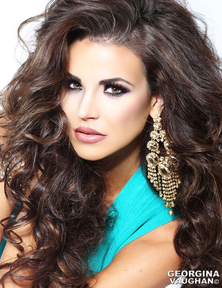 Super glamorous! Perfect for the Miss Universe pageant system. Photo of Miss Minnesota USA 2015, Jessica Scheu.  http://thepageantplanet.com/