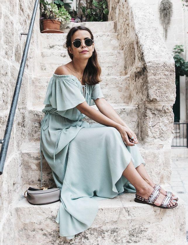 Déclinée en vert d'eau, la robe longue estivale gagne en subtilité (robe Zara - blog Collage Vintage)