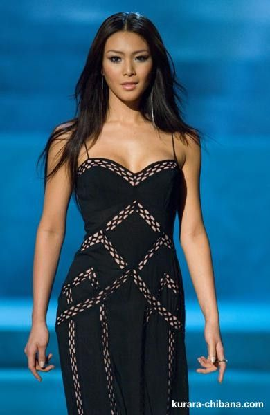 Kurara Chibana, Miss Japan 2006, 1st runner up in Miss Universe 2006, wore this stunning black gown.