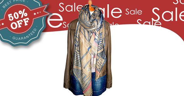 50% korting op deze sjaal. Heb jij blond of lichtbruin (taupe) haar en blauwe ogen?  Dan is dit een hele mooie sjaal voor je. De sjaal ziet er wollig uit maar is van 100% katoen.  Door het grote formaat kun je er lekker in wegkruipen. Bestellen kun je op: …/shawl-silkroute-katoen-s60…/