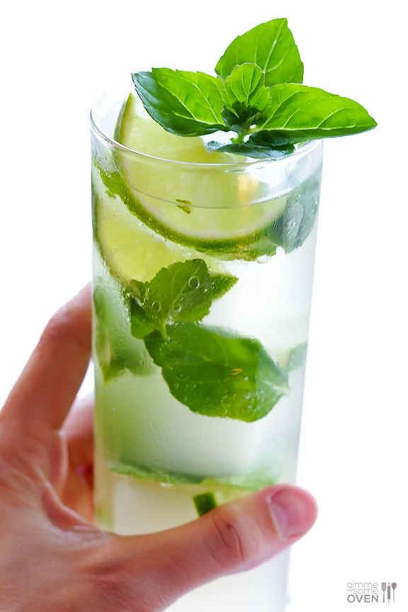 Ginger Beer Mojito ~ All you need are 4 ingredients and 1 minute to make this fresh and tasty drink! | gimmesomeoven.com #cocktail #mocktai...