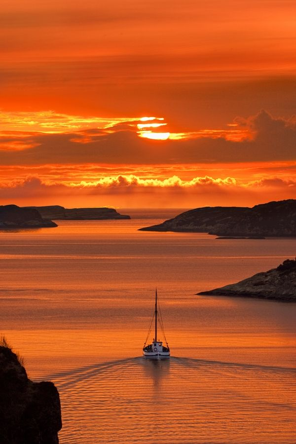 Norwegian SunsetNorwegian Sunsets, Nature, Sunris, Beautiful, Places, Boat, Sailing Away, Weights Loss, Photography