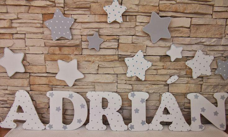 Decoraci n infantil pekerines letras de madera para for Letras scrabble decoracion