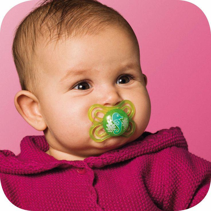 Ainu MAM Perfect Huvitutin vallankumouksellinen Dento-FlexTM  -imuosan kaula on tavallista tuttia 60 % ohuempi ja 3 kertaa pehmeämpi jolloin tuttia imiessä hammasvallien välissä oleva aukko on vain 3,2 mm.
