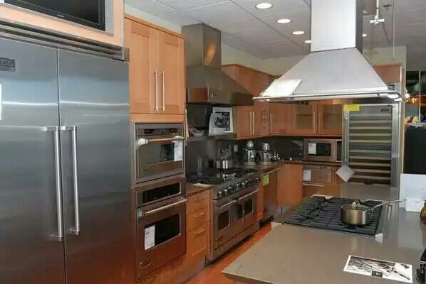 Our menu of #kitchen appliances is versatile & potent, as well. Visit THS for a better way. http://t.co/kTaER2DqOg