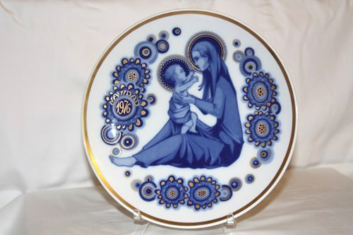 Santa Clara Decorative Christmas Plate - 1976 - Spain - Madonna & Jesus Child