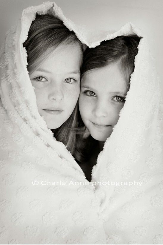 Sisters Photo - such a precious idea.