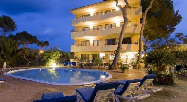 Apartamentos Flacalco Park - 3 Star #Apartments - $81 - #Hotels #Spain #CalaRatjada http://www.justigo.ws/hotels/spain/cala-ratjada/apartamentos-flacalco-park_11713.html