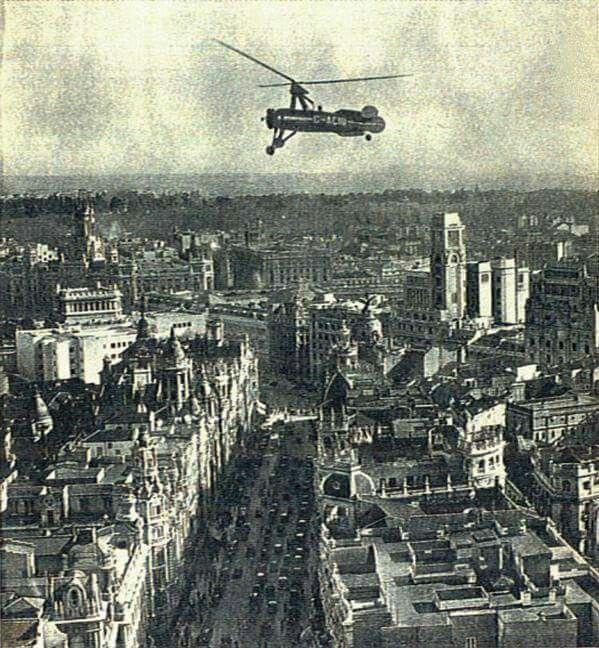 Juan de La Cierva's Autogiro fliying over Madrid. 82 years ago