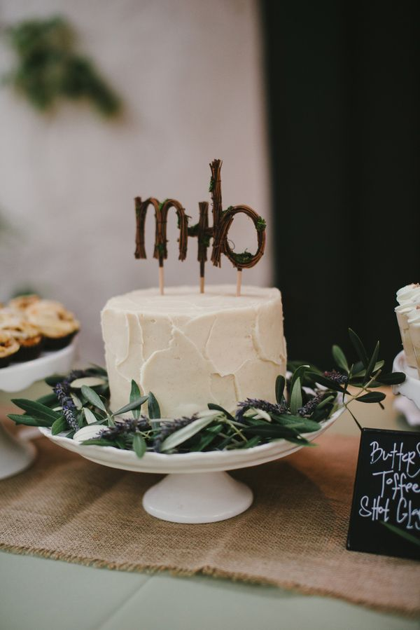 super cute rustic cake topper | Vitaly M Photography | See More! http://heyweddinglady.com/historic-villa-wedding-in-southern-california/