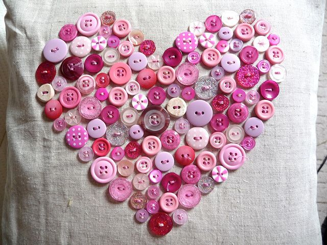Button, button, who's got the button?: Valentines, Button Pillow, Buttons, Craft Ideas, Valentine S, Pillows, Crafts