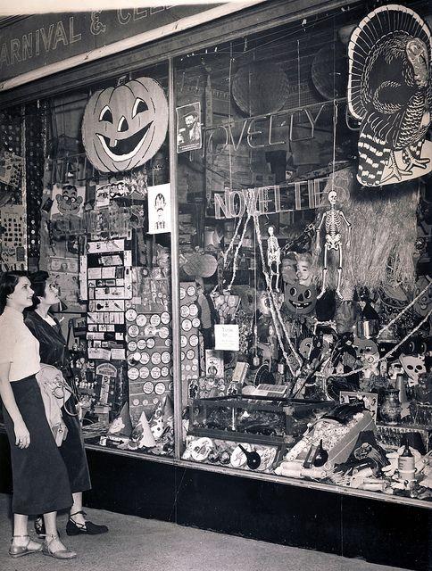 halloween decorations in baltimore, 1950