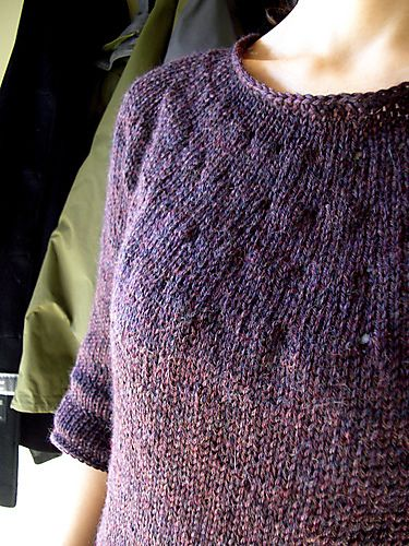 Simple and beautiful. Simplest sweater {free pattern}  neck down