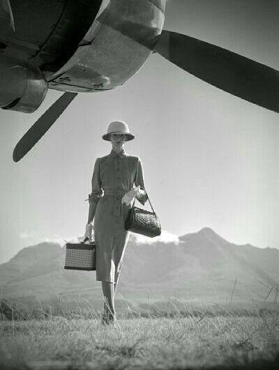 Prête pour un voyage tout en élégance...  #revedevasion by #ThierryRégnier
