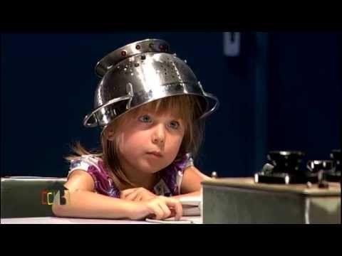 Détecteur de mensonges des enfants : Julia #CCVB - YouTube