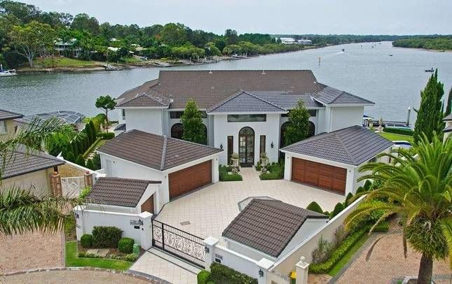 The Point, a Hope Island Sanctuary Cove Luxury Holiday Waterfront Home | Stayz