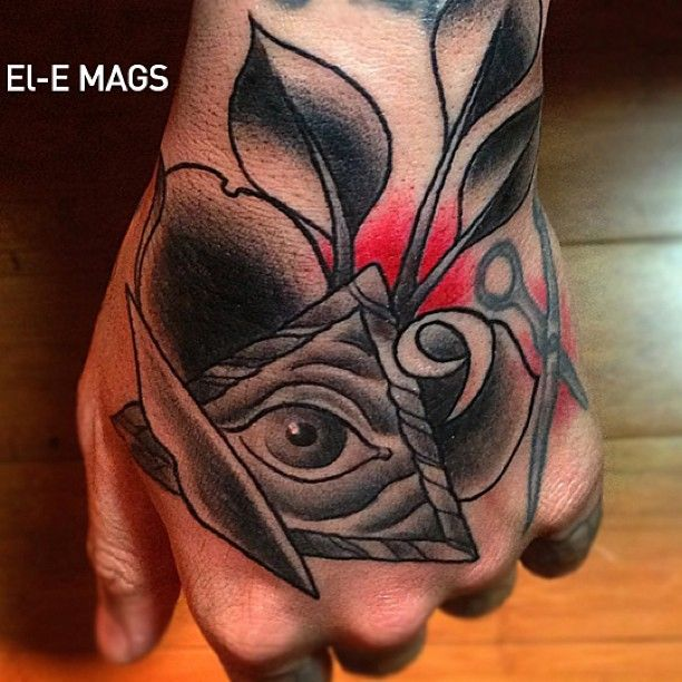 Dope hand tattoo by the one and only @elemags done @bangbangtattoos #tattoo #nyc #bangbangnyc