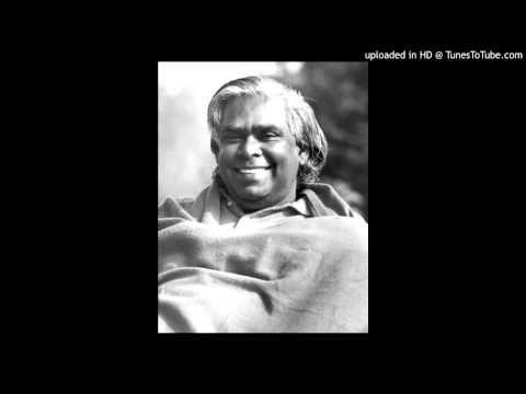 Arati in the Sivananda Yoga Centres - YouTube