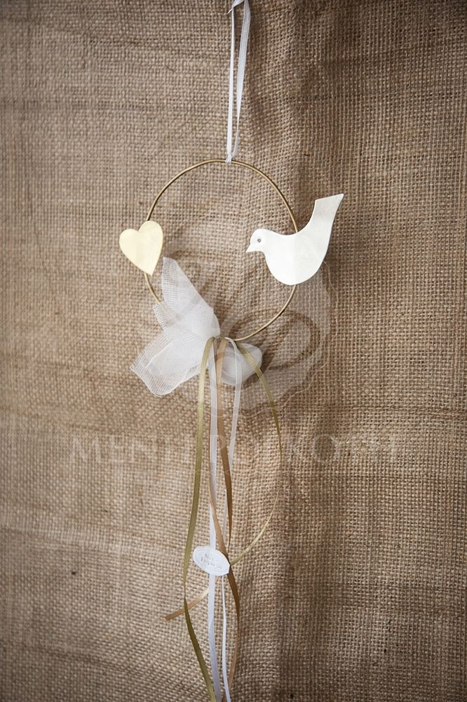 Handmade metalic wreath with heart and bird wedding favor
