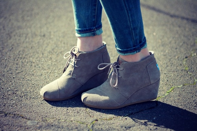 toms desert boots wedge