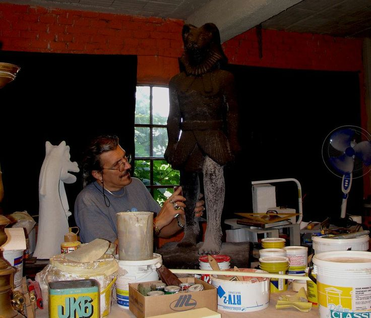 Mario Bresciani - Marbre Art - Egyptian statue. Work in progress