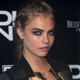 Who Is Cara Delevingne, Harry Styles' Latest Girlfriend? [READ MORE: http://uinterview.com/news/who-is-cara-delevingne-harry-styles-latest-girlfriend-8774] #CaraDelevingne #HarryStyles #OneDirection #Dating #CelebrityDating #NYFW
