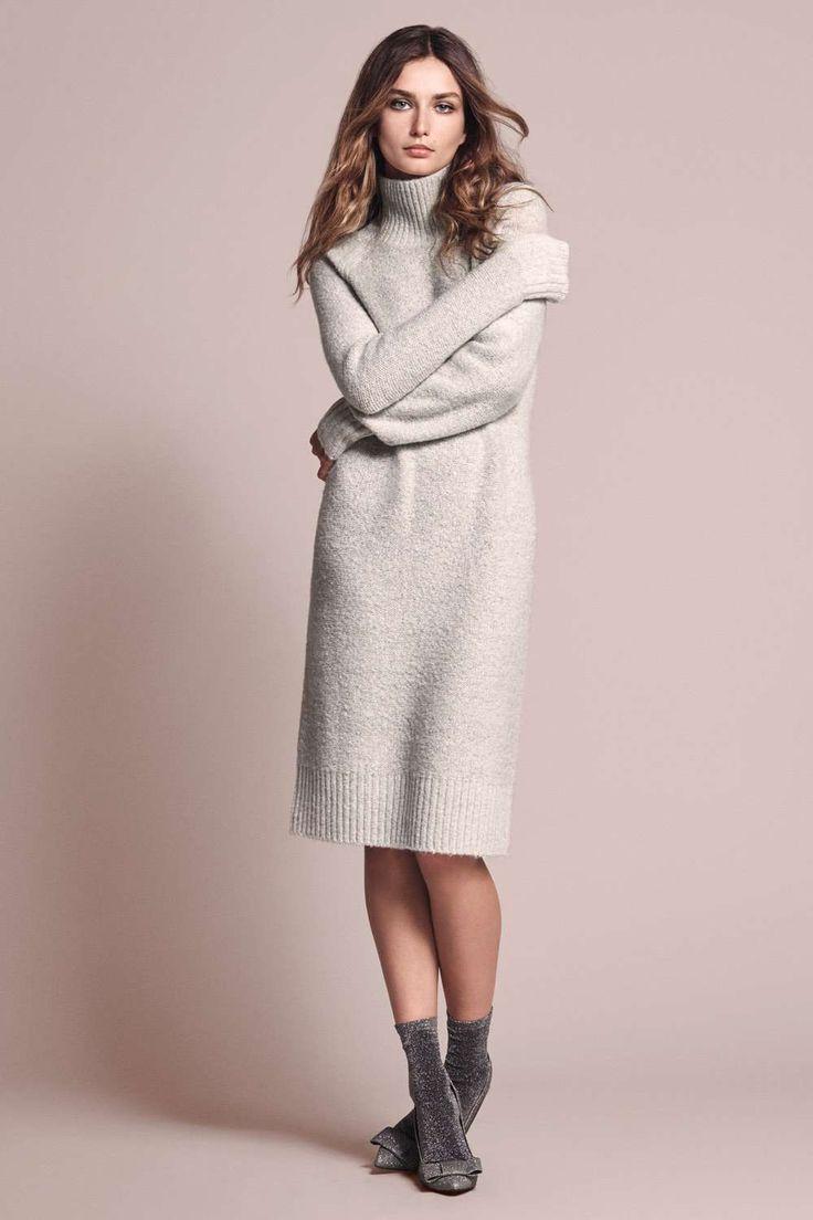 New arrivals!  Met blouses, rokken met split, strakke broeken, jurken, glinsterende tops, warme knitwear en jassen.