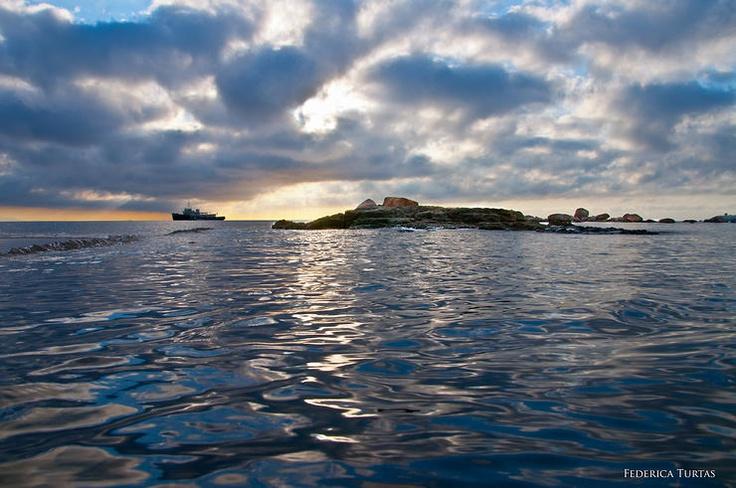 Non accontentarti dell'orizzonte .. cerca l'infinito! by fefe1974 @ http://adoroletuefoto.it