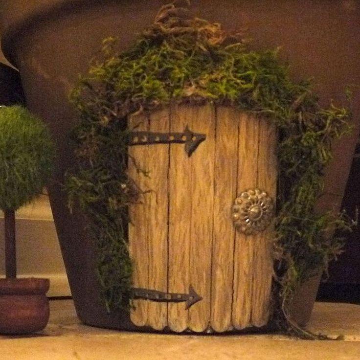 Hometalk:: Whimsical Elf Door