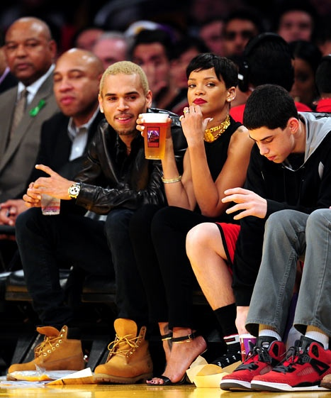 Rihanna And Chris Brown On Dec Rihanna. RiRi #Rihanna, #Riri, #pinsland, https://apps.facebook.com/yangutu