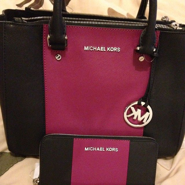Love this Michael Kors Purse, because Simple and elegant ,and just $39.99. #Michael #Kors #Bags